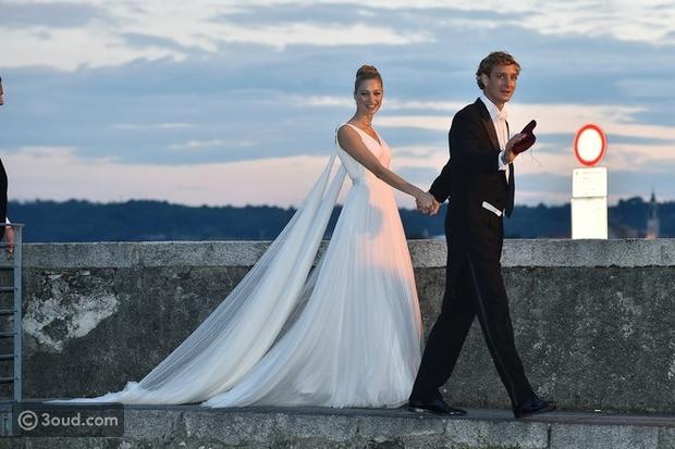 7e8167f208965 ... أفضل فساتين زفاف المشاهير في 2015 . Beatrice Borromeo in Armani