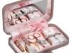 بمناسبة عيد الأم.. اختاري حافظة نقود فخمة بين هؤلاء