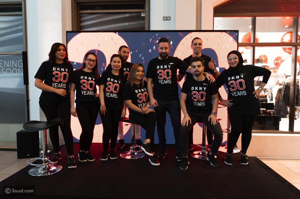 DKNY تحتفل بعيدها الثلاثين وتنقل روح نيويورك الغبداعية