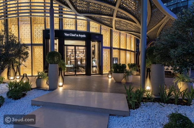 متجر فان كليف & آربلز الجديد في أوبرا دبي