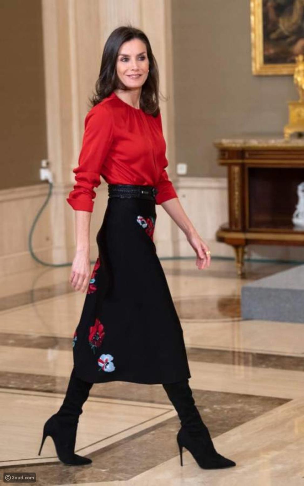 ليتيزيا ملكة إسبانيا في تنورة مطرزة بالورود
