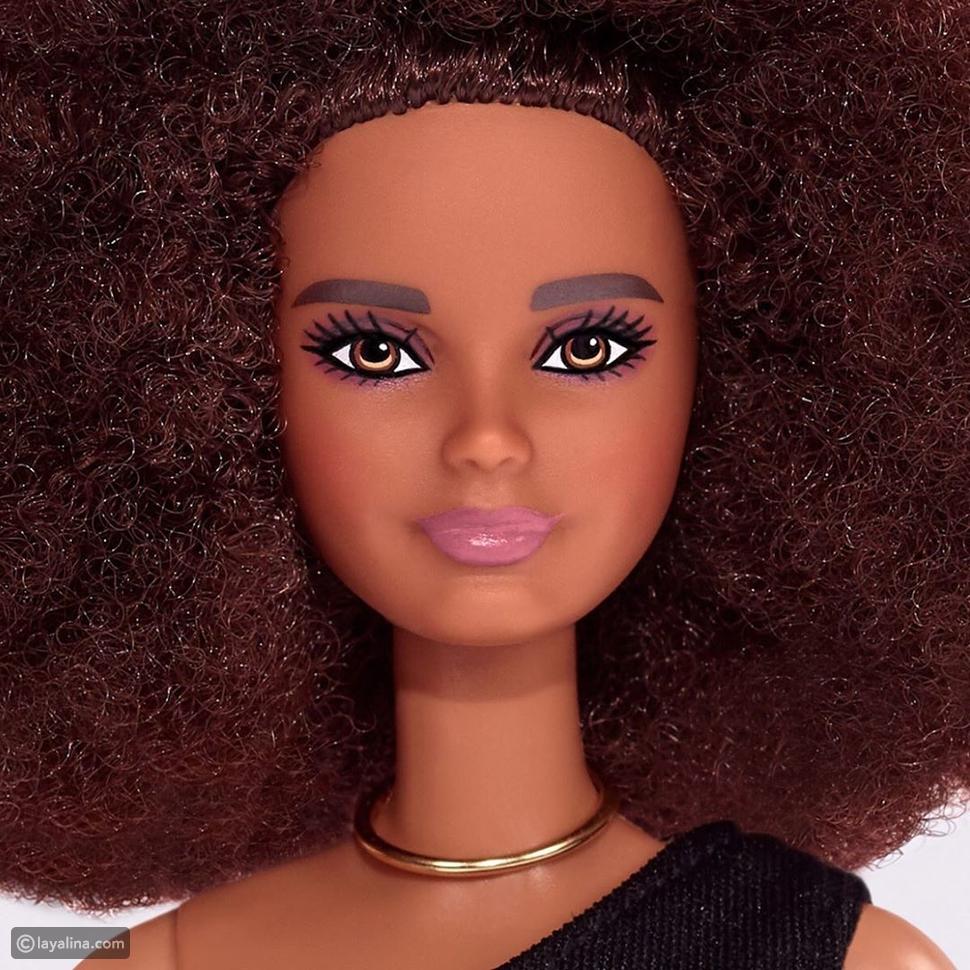 MAC تتعاون مع Barbie في أحمر شفاه مميز